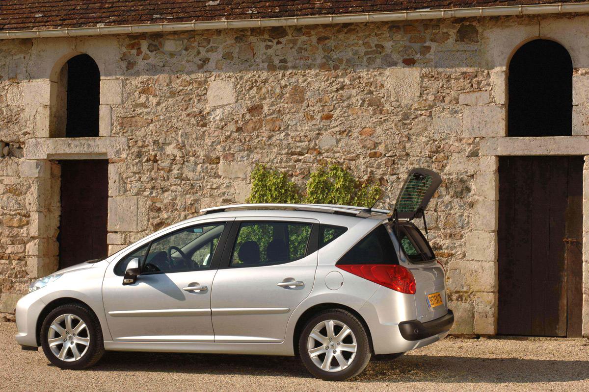 Carscoop Peugeot207SW6 Peugeot 207 SW: Leak, La Partie II...