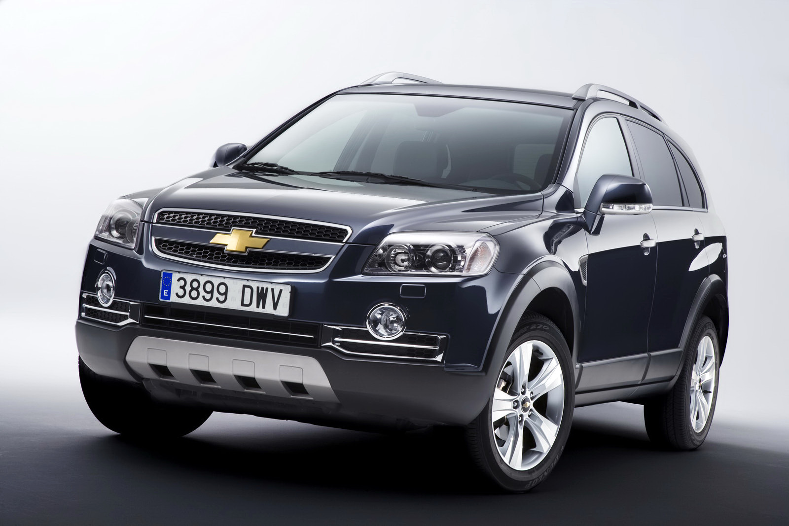 Spy Shots 2011 Chevrolet Holden Captiva Suv With Aveo