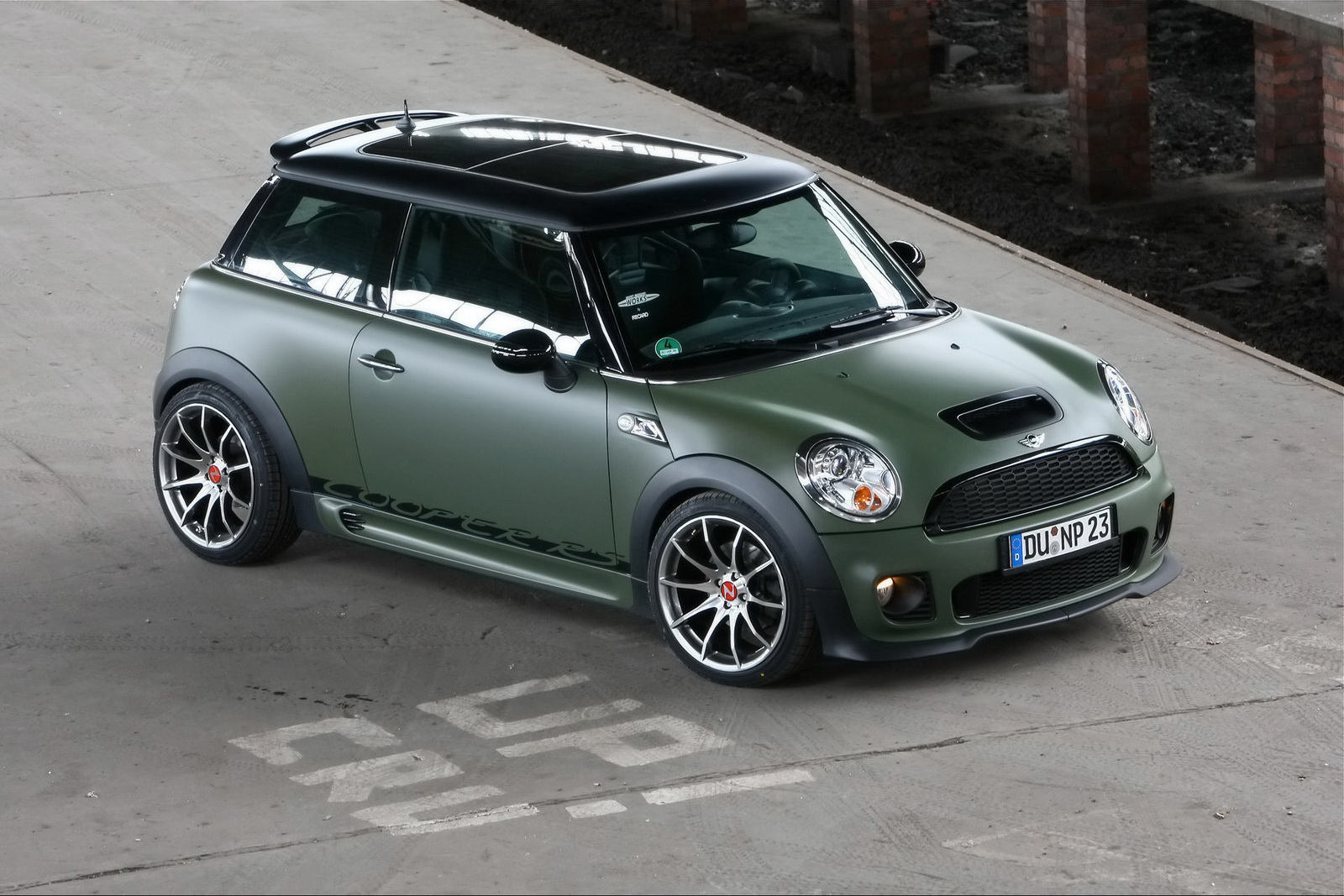 the car nowack motors releases mini cooper s packages with up to 260hp. Black Bedroom Furniture Sets. Home Design Ideas