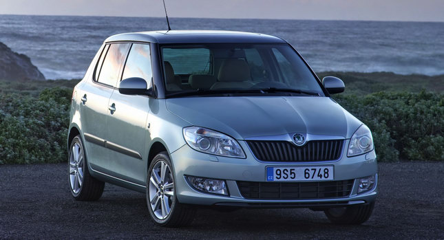 Skoda GreenLine II 0 Skoda Unveils Eco Friendly Greenline Versions of Facelifted Fabia and Roomster