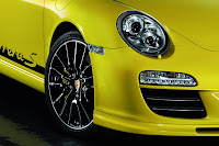 Porsche Offers New Accessories Including Awesome Fuchs Rims for 911