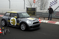 MINI E RACE Ring 1 VIDEO: All Electric MINI E Laps the Nurburgring Circuit in Under 10 Minutes