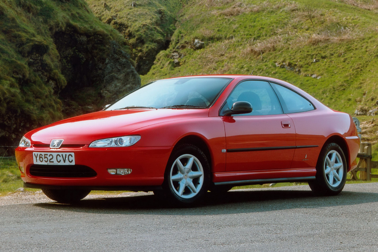 peugeot 406 coup club celebrates three anniversaries with special meeting