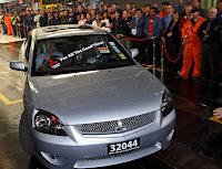 MITSU Last Aussie Built Mitsubishi Auctioned for $100,000 AUD