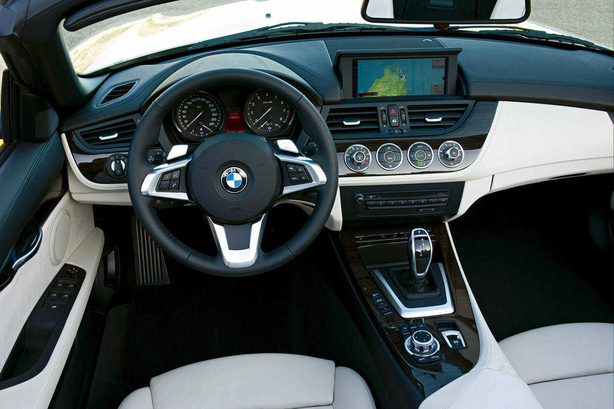 2009 bmw z4 with a retractable hardtop: 42 high res images
