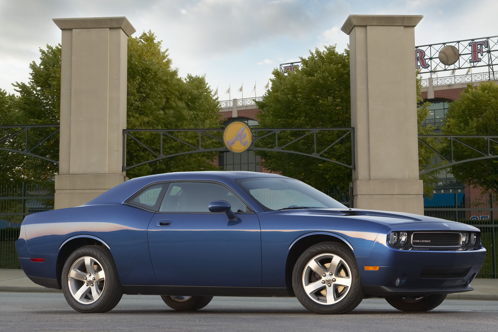 dodge challenger 40 years in pictures carscoops. Black Bedroom Furniture Sets. Home Design Ideas
