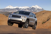 2011 Jeep Grand Cherokee 10 Jeep Releases New Photos and Video of 2011 Grand Cherokee Photos Videos