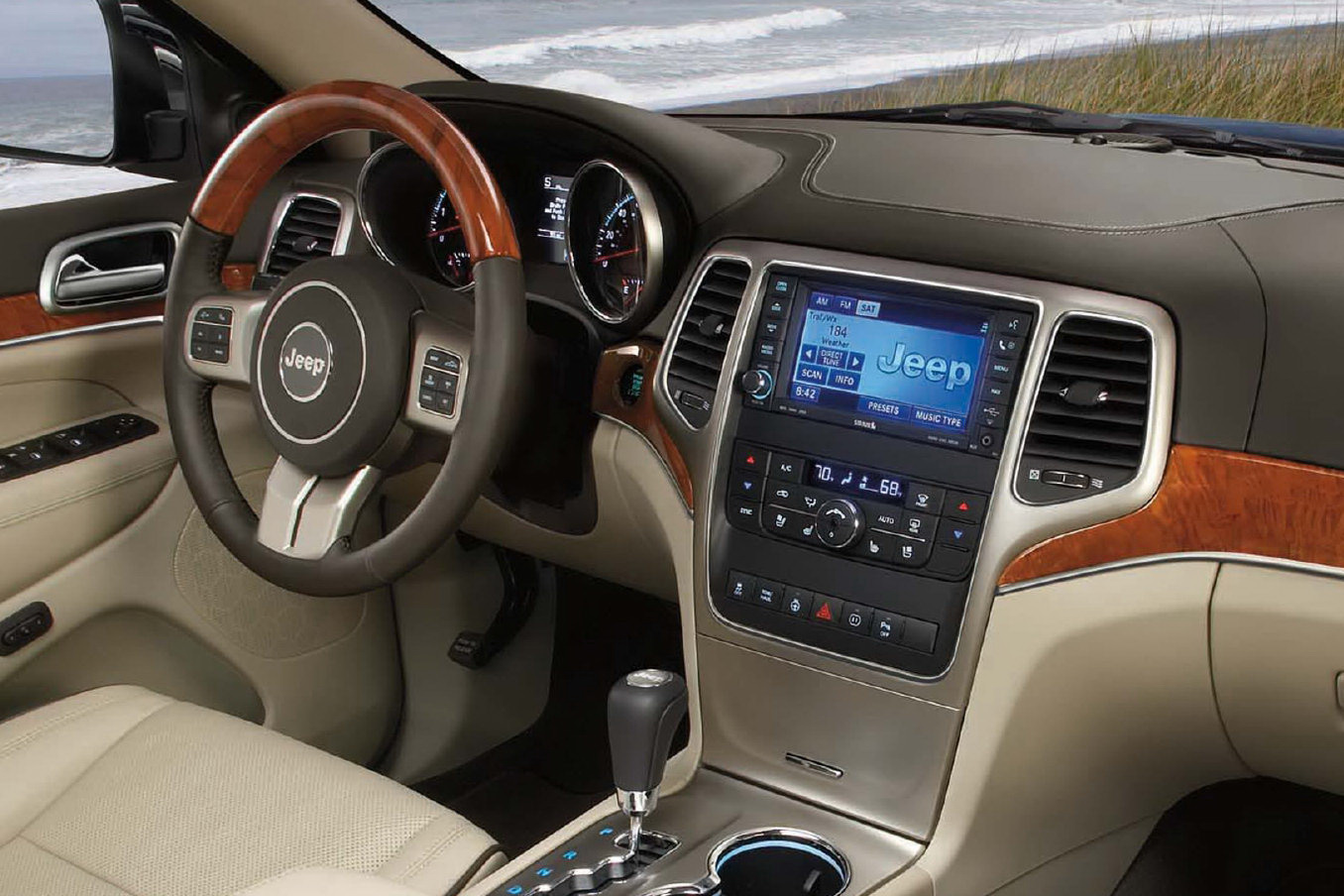 Image Gallery 2011 Grand Cherokee