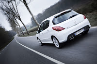 Peugeot 308 GTi 6 Peugeot Tries to Challenge Golf GTI with New 308 GTi 200HP Photos
