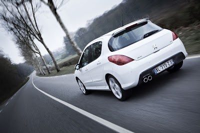 Peugeot Tries to Challenge Golf GTI