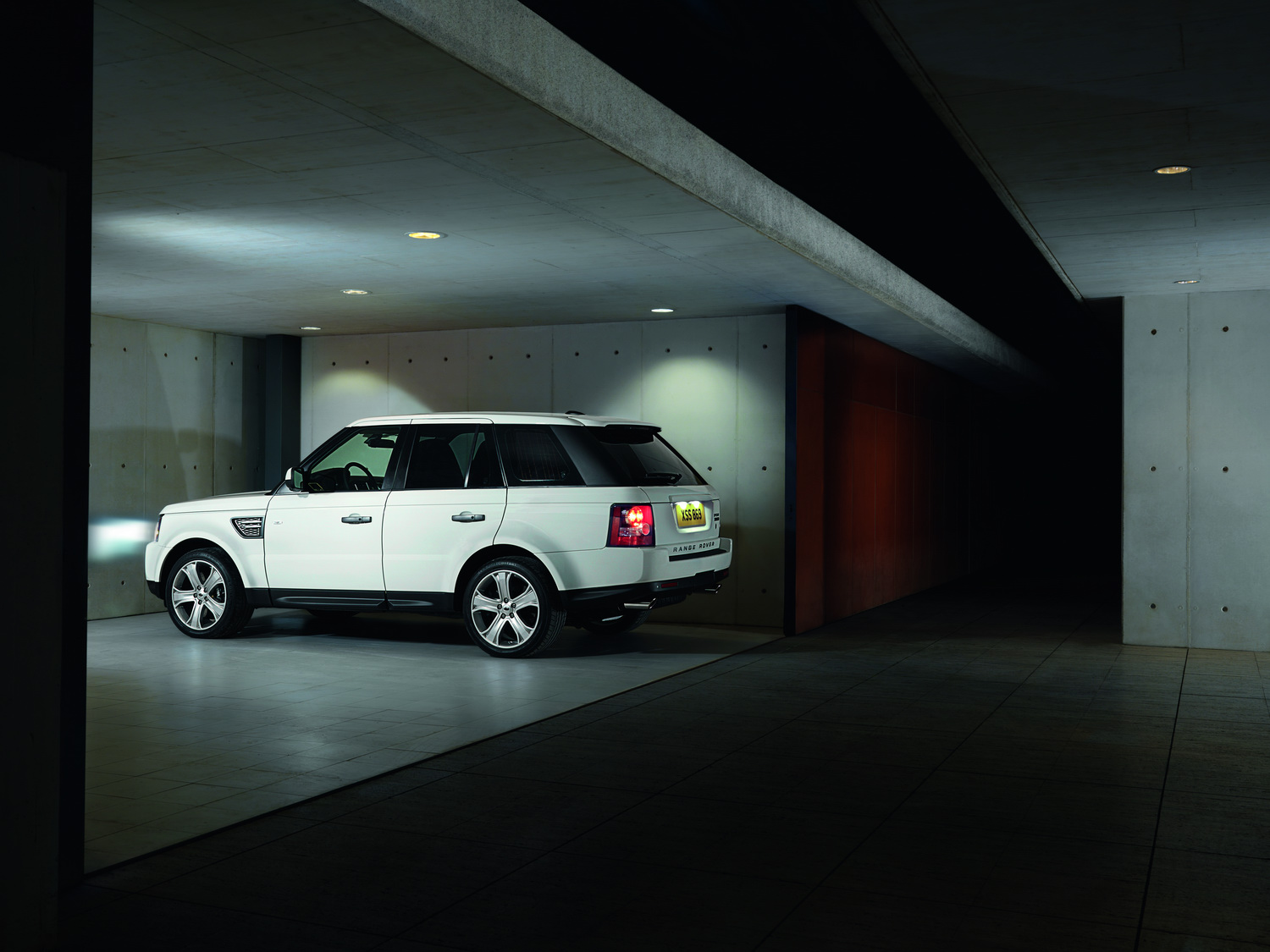 2010 Range Rover Sport 13 Facelifted Range Rover Sport gets new V6 Diesel and V8 Petrol units