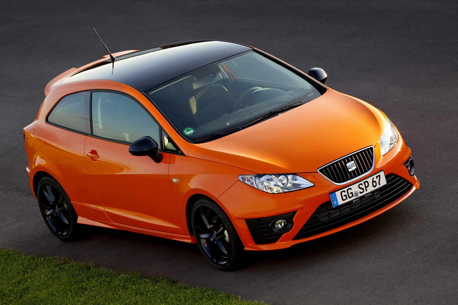 seat announces sporty looking ibiza sc sport limited. Black Bedroom Furniture Sets. Home Design Ideas