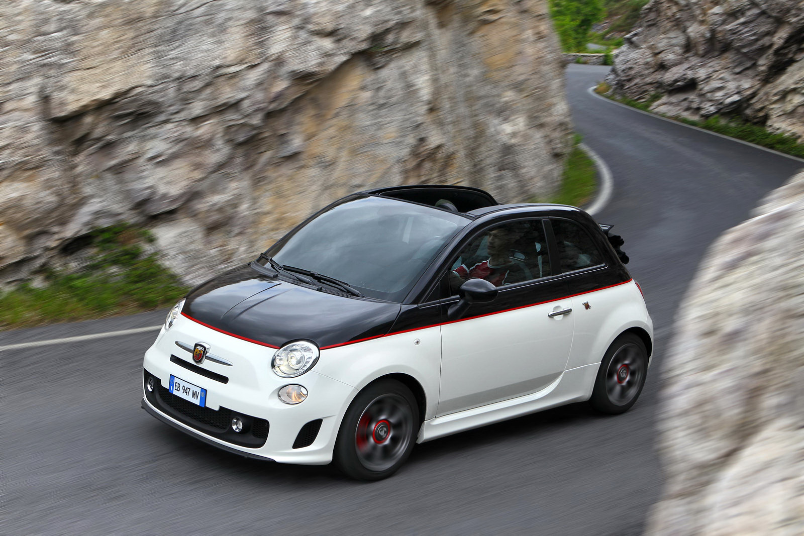 Fiat Unleashes Huge Photo Gallery Of Abarth 500c Convertible