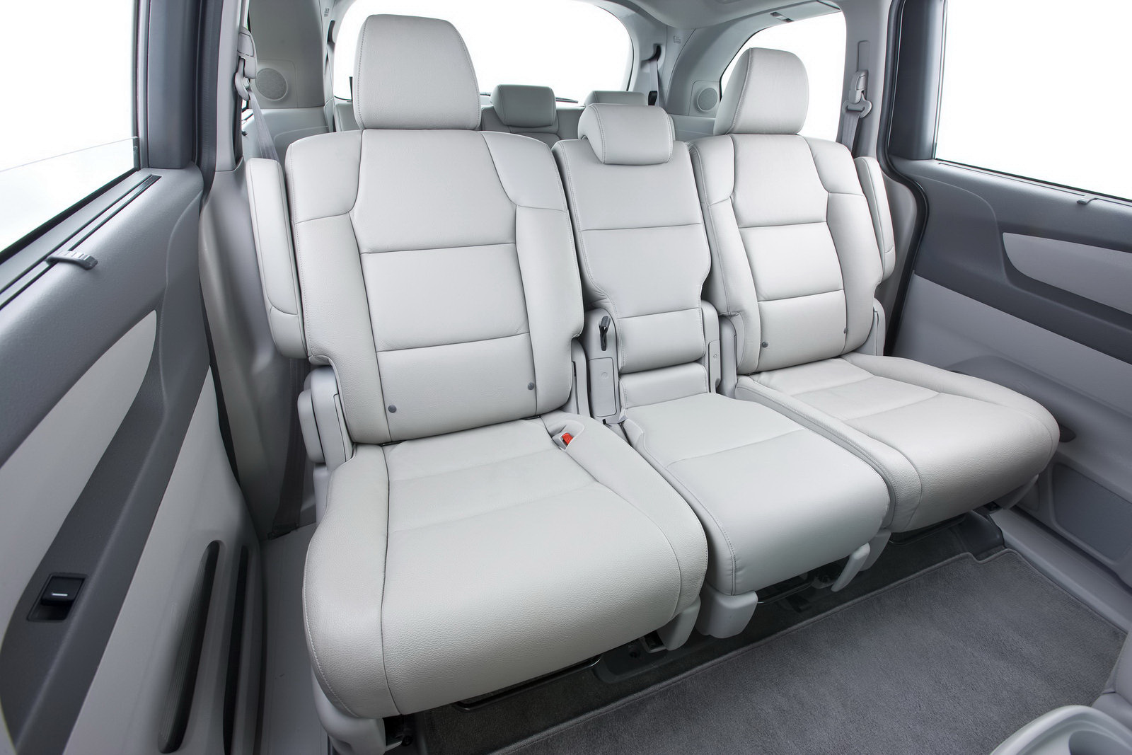 2011 honda odyssey minivan officially revealed 45 photos for Honda odyssey magic seat