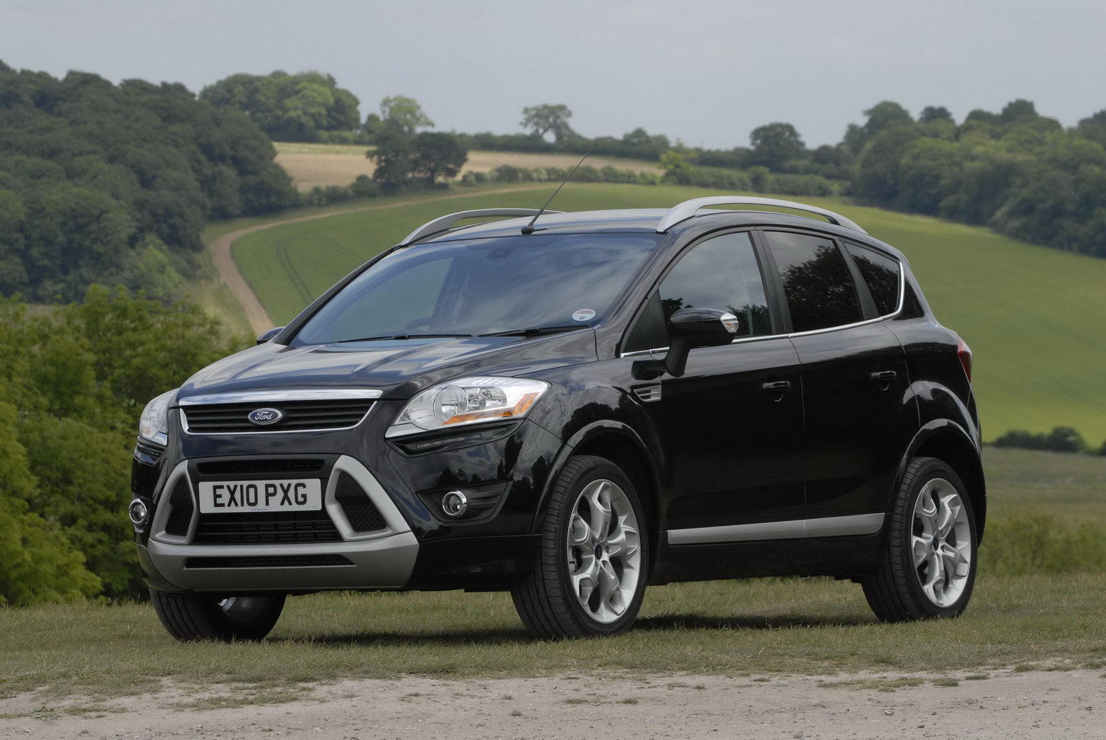 ford updates kuga with new 2 0 liter diesel engines and individual trim. Black Bedroom Furniture Sets. Home Design Ideas