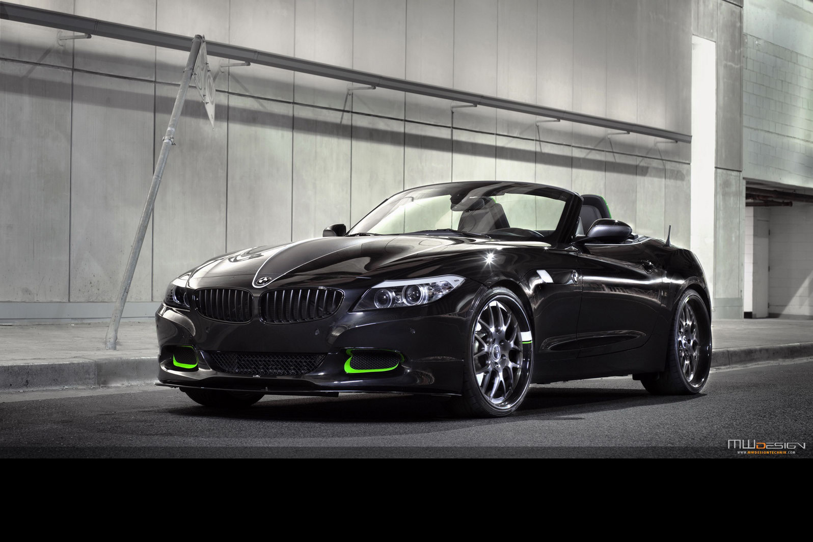 Carscoop Bmw Z4 400hp Custom Build Inspired By Nike S