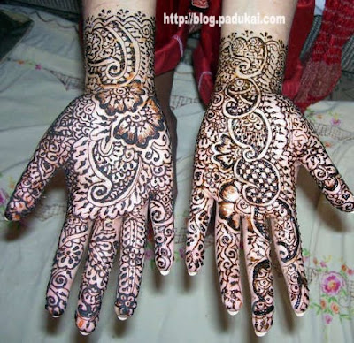 Beautiful Indian Mehndi Designs / Lovely Maruthani photos
