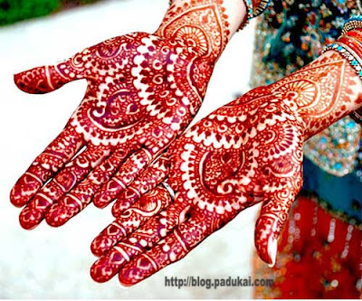 Beautiful Dark Colour Mehndi Designs