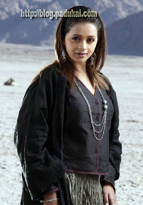 Tamil, Telugu, Malayalam actress Bhavana Hot still
