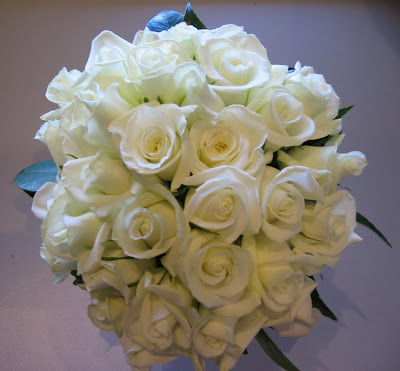 Wedding white roses wallpaper