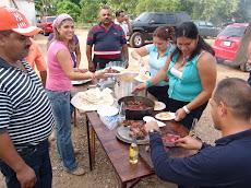 Carne asada y música llanera en fiesta de los obreros unellistas