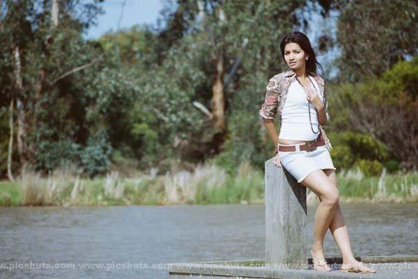 [Gamya_Prasadini_14_asiachicks.blogspot.com.jpg]