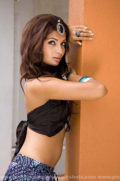 [Gamya_Prasadini_19_asiachicks.blogspot.vom.jpg]