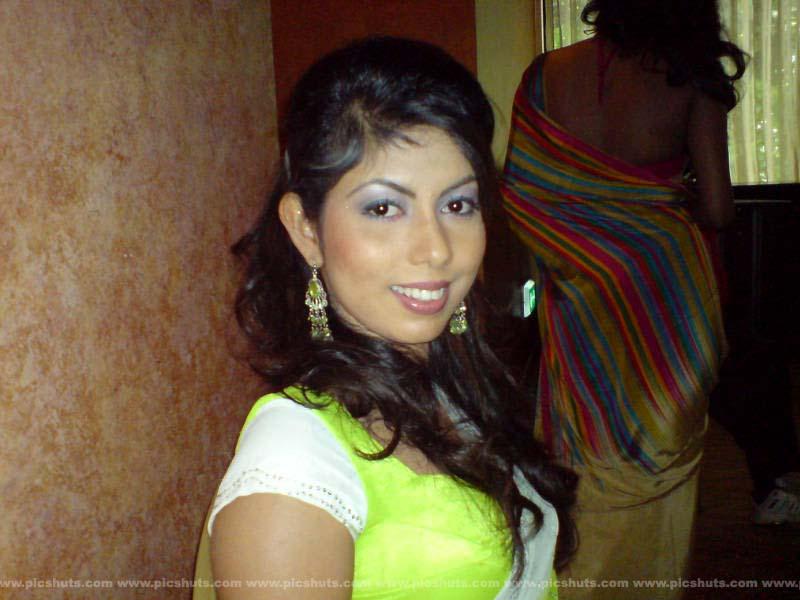 [Rasangika_Madushani_18_asiachicks.blogspot.com.jpg]