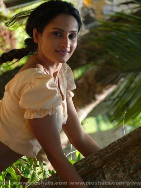 [Oshani_Dias_5_asiachicks.blogspot.com.jpg]