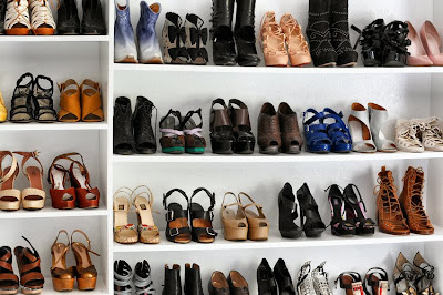 Sea of shoes, Jane Aldridge