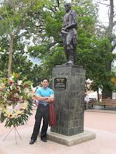 Juan Carlos Quesada en la Plaza Bolivar