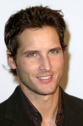 Twilight doctor Peter Facinelli showed off the amazing tattoo where