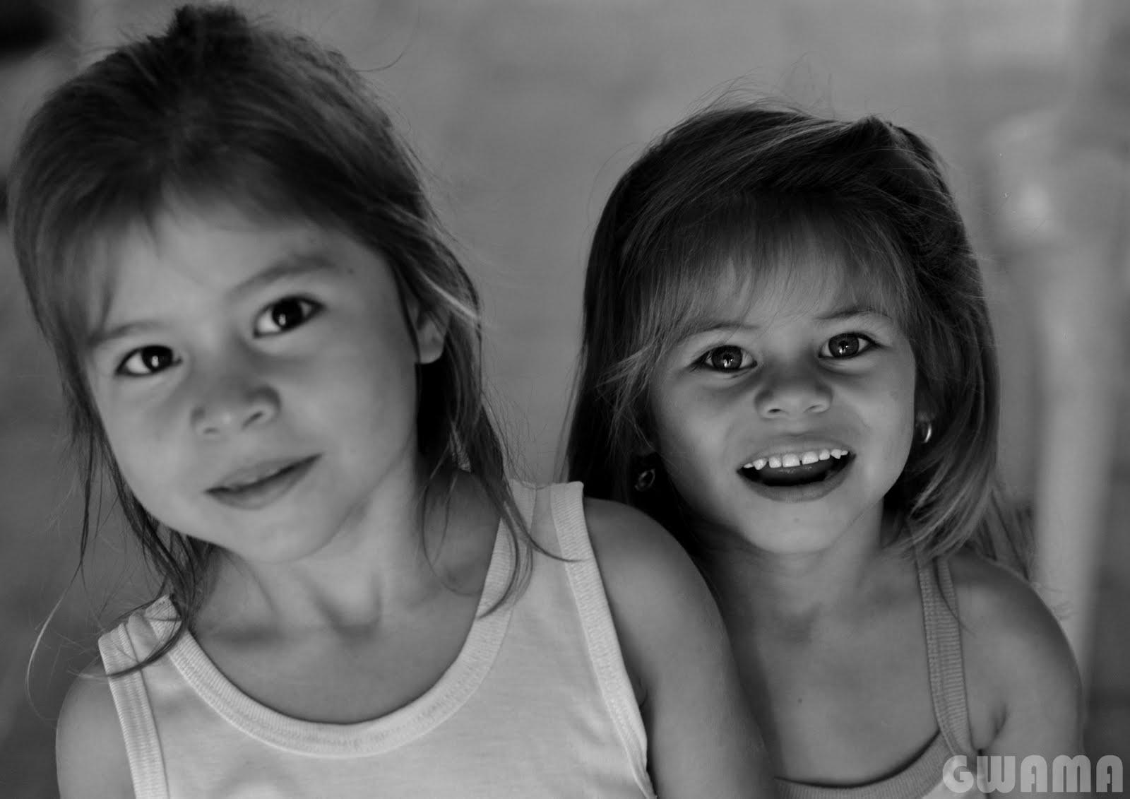 ENFANTS DU MONDE-NIÑOS DEL MUNDO-CHILDREN OF THE WORLD