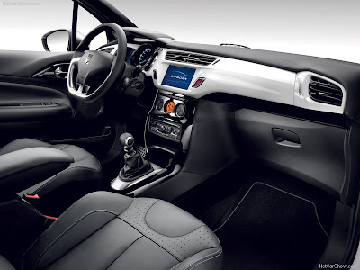 Motor Gears: New Reveal : 2011 Citroën DS3 car interior