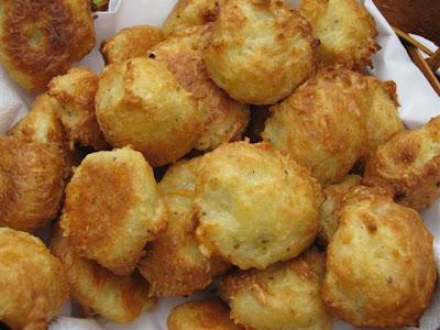 Coucoucanada gougeres au fromage - Amuse bouche facile et pas cher ...