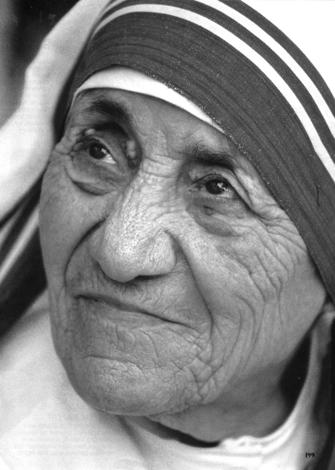 http://4.bp.blogspot.com/_FvBiTzZg7-w/TEZ6oD3T1jI/AAAAAAAAI_Q/dn1D1enMH-g/s1600/Mother+Teresa.bmp