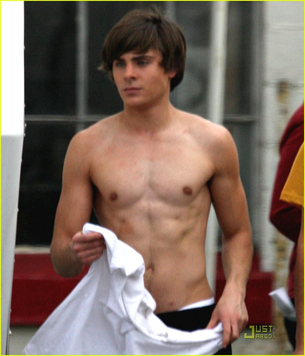 http://4.bp.blogspot.com/_FvIPmG6kolA/TLXx_-hl5GI/AAAAAAAAFyA/Uuw22XnWkfw/s1600/zac-efron-shirtless.jpg