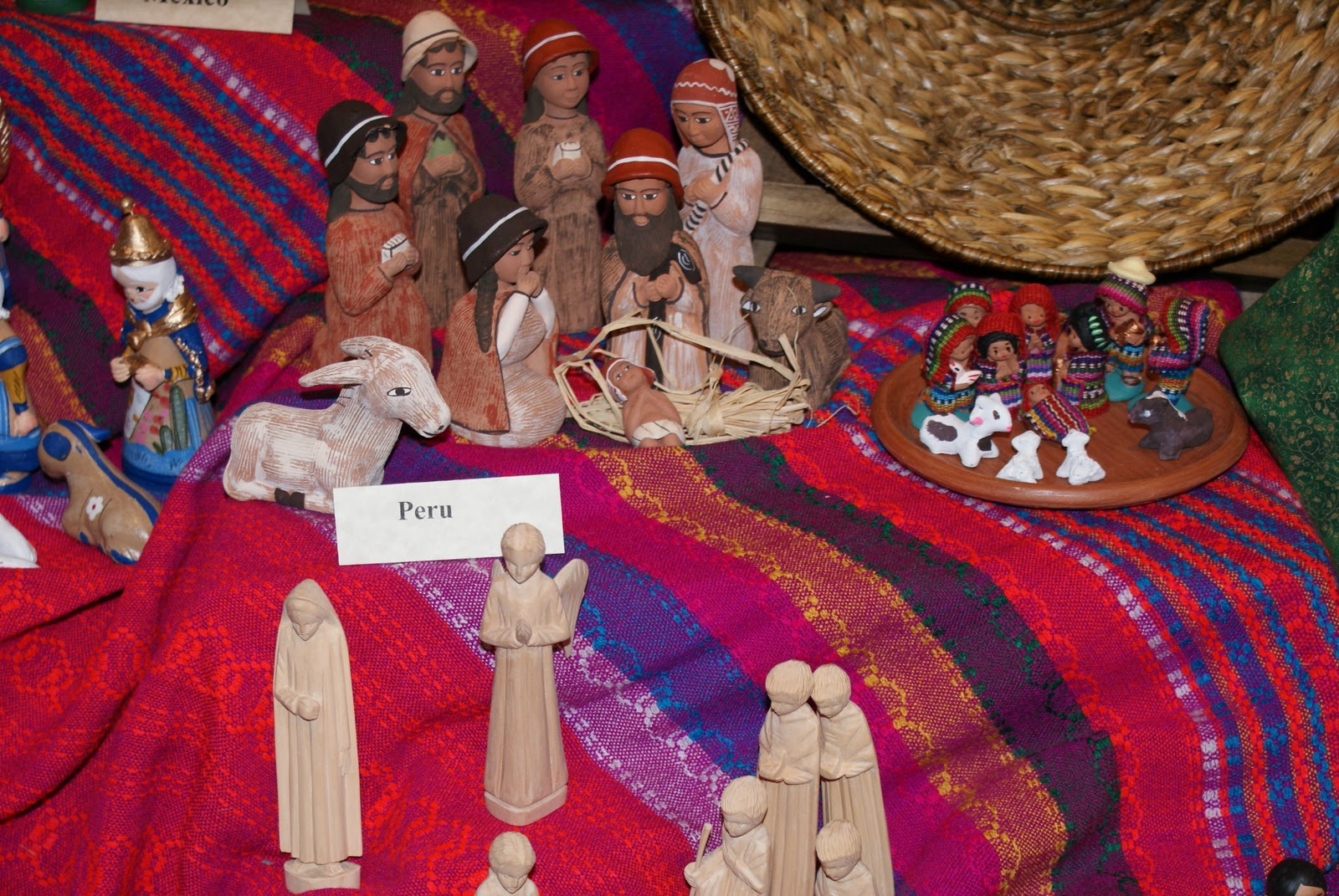 the dixon daily nativity scenes from around the world. Black Bedroom Furniture Sets. Home Design Ideas