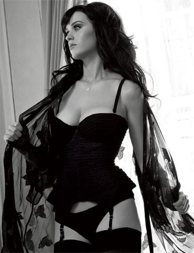 Η Katy Perry ποζάρει για το Esquire