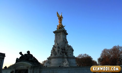london buckingham palace victoria memorial