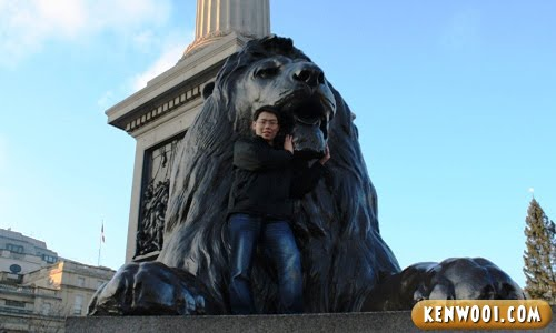 london trafalgar square lion sculpture
