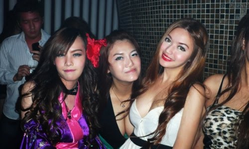 asian girls clubbing