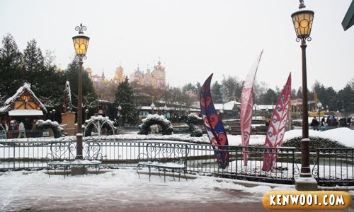 paris disneyland snow