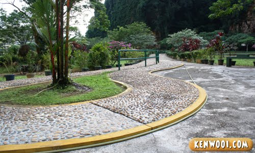 kek look tong reflexology footpath