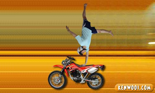 mat rempit pose hand stand