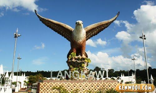 langkawi eagle statue