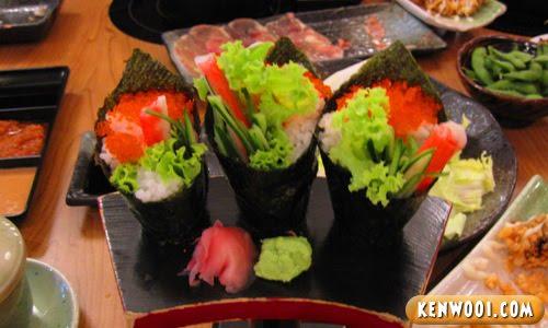 nagomi california handroll sushi