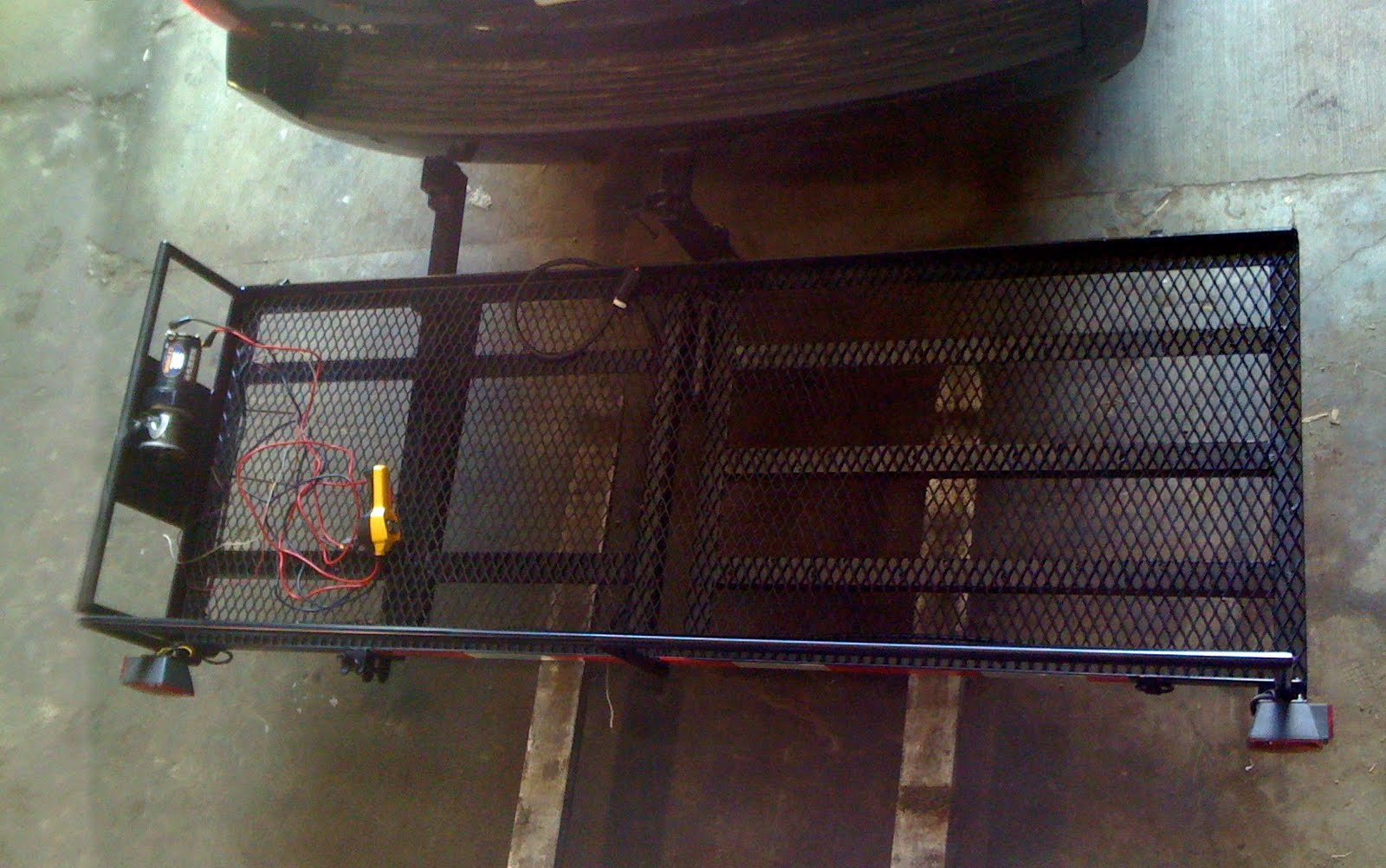 layered+overhead offthemapeurope custom piaggio mp3 scooter rack nearly complete!  at crackthecode.co