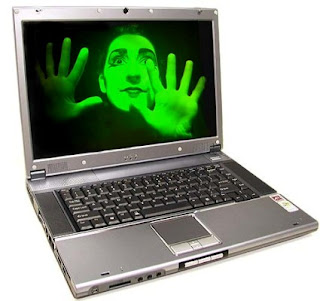 blogger%2Bin%2Bcomputer.jpg