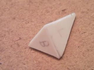 落了膠水後膠片自然融合, 膠邊就變平滑了呢
